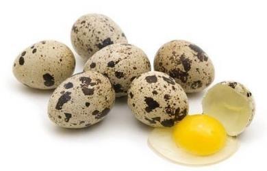 Làm đẹp từ trứng chim cút